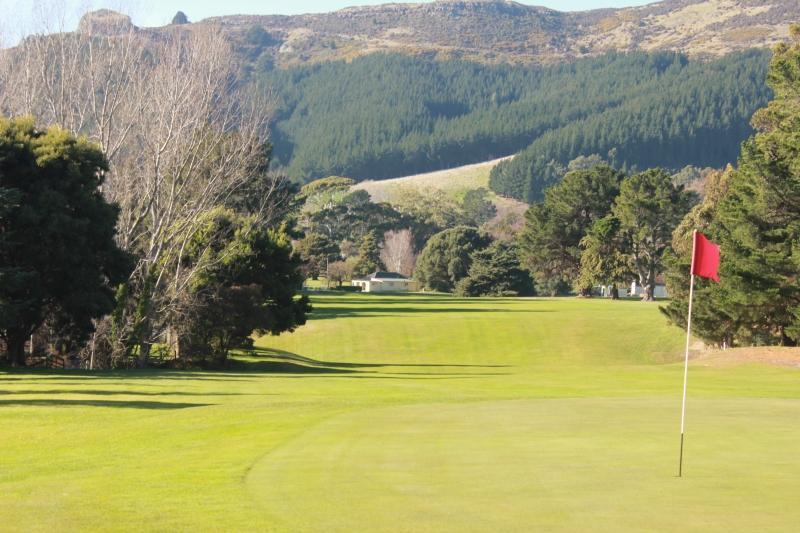 Charteris bay golf club canterbury golf for Landscape design courses christchurch nz